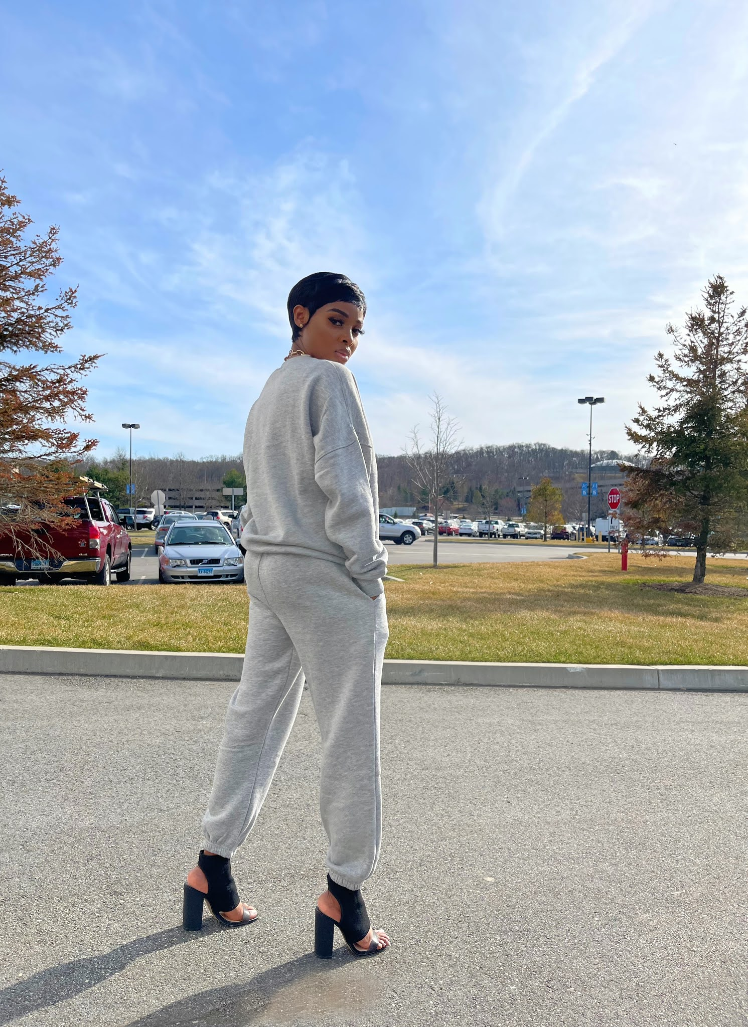 How to style a grey Lounge-wear