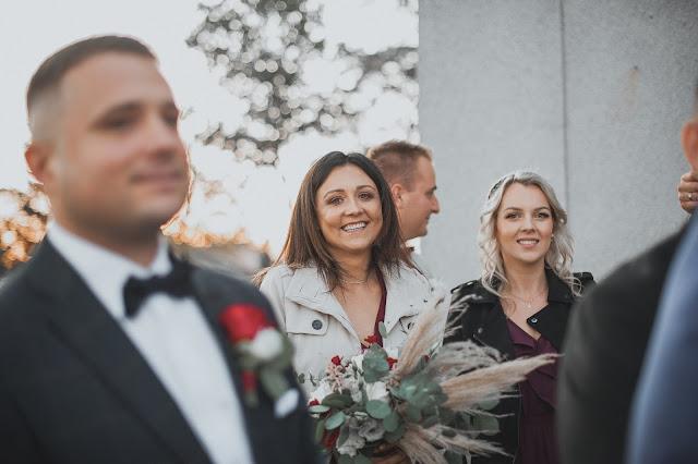 Zamiast kwiatów... Wierszyki ślubne na zaproszeniach