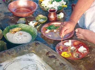 Pitru Paksha Puja or Offering Shradh