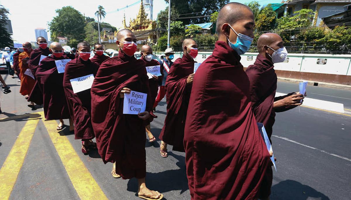 myanmar buddhist monk protest