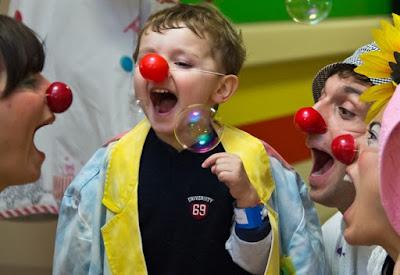 http://www.west-info.eu/it/il-potere-magico-della-clownterapia-sui-bimbi-autistici/