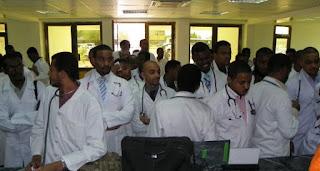 السودان يفقد كوادر طبية في (13) مشفى وتحذيرات من انهيار النظام الصحي