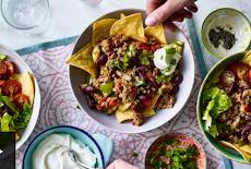 الخلطة المكسيكية مع خبز التاكو Mexican taco bowls