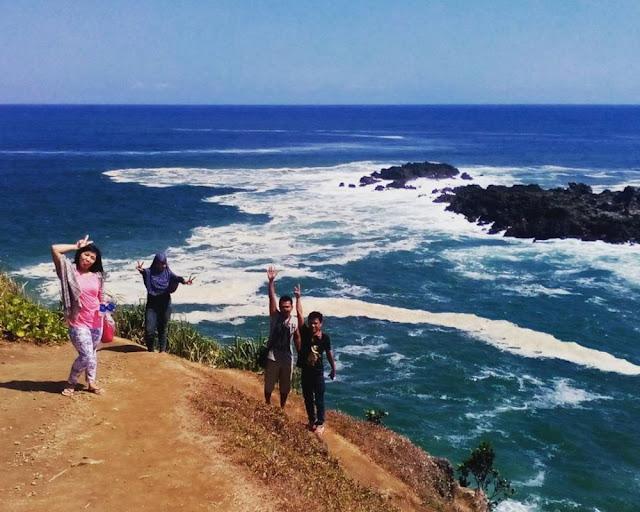 bukit sigatel, foto bukit sigatel, bukit sigatel pantai menganti, foto bukit sigatel pantai menganti, foto bukit sigatel menganti kebumen