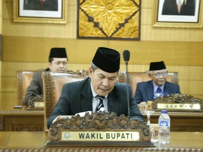 Kok Bisa Tersangka Korupsi Tanah Kuburan Maju Pilkada OKU dan Didukung 12 Partai?