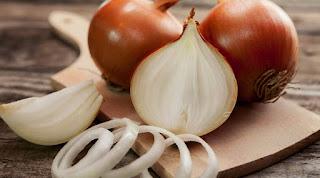 Raw onions image