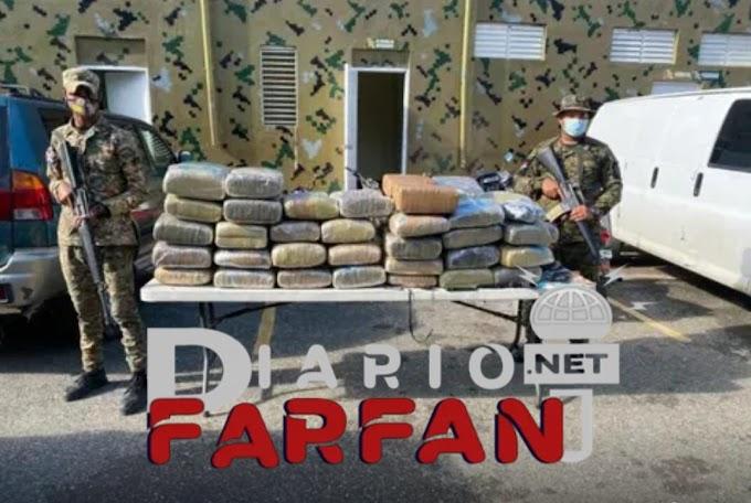Apresan un mayor de la Policía con 63 pacas de droga en San Juan de la Maguana
