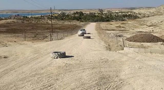 Yol asfaltlanmayınca köylü yolu parkura çevirdi