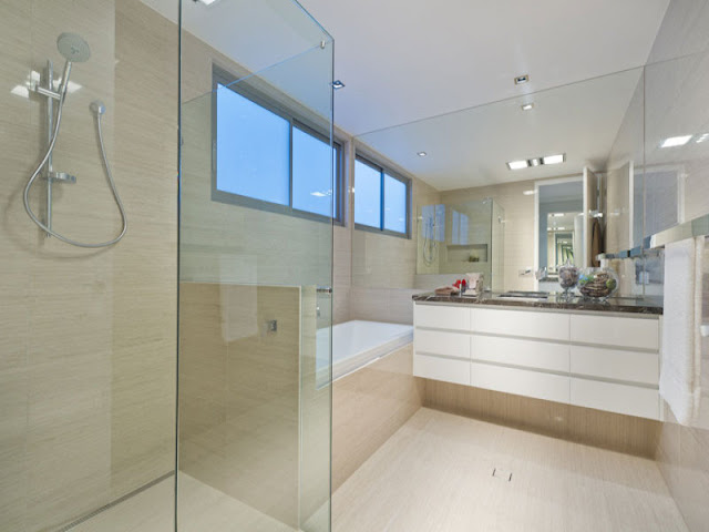 Another photo of modern bathroom in contemporary modern home in Brisbane