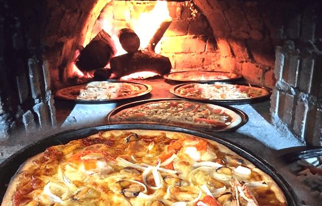 pizza kayu api Malaysia