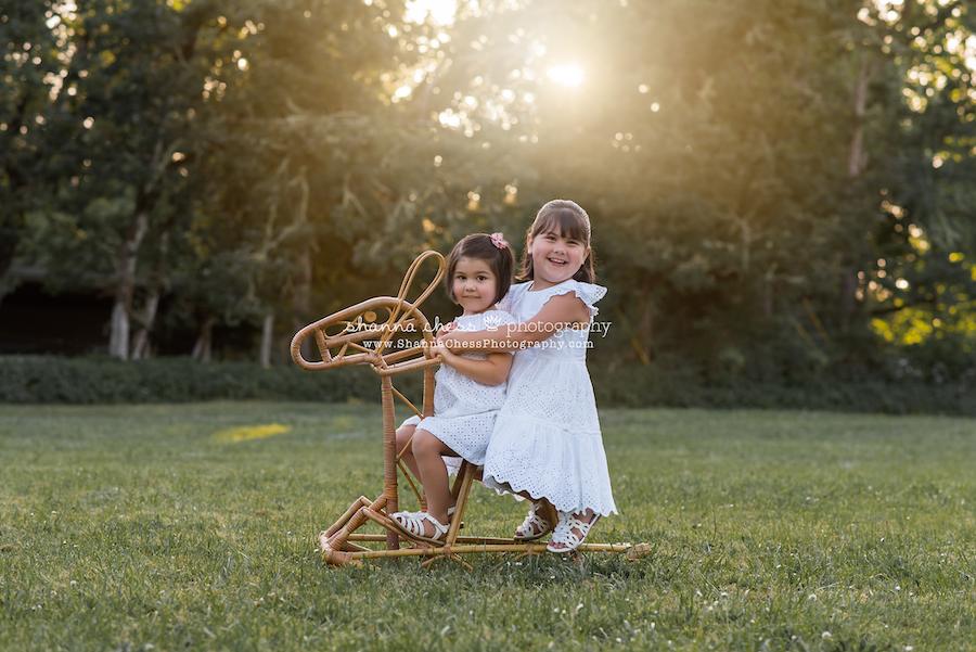 eugene oregon outdoor children's portrait photographer