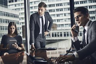 Semiótica del vestuario, comunicación no verbal, vestuario profesional