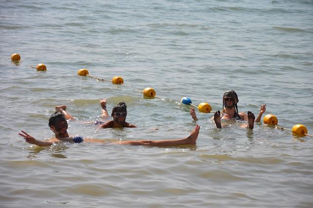 Lévitation dans la mer Morte