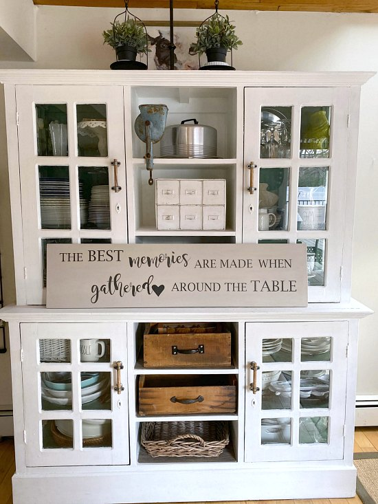 DIY Farmhouse table memories sign for the kitchen