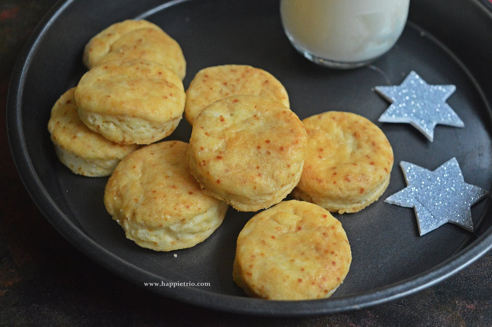 Buttermilk Biscuuits Recipe | Eggless Buttermilk Biscuits