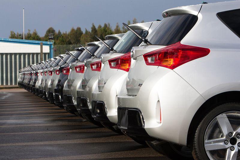 Продажи новых автомобилей в Европе