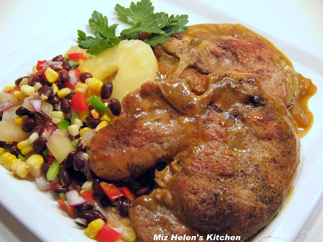 Skillet Chops at Miz Helen's Country Cottage