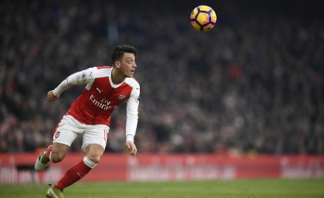 AGEN BOLA - Mesut Ozil Sudah Dipastikan Hijrah Ke Mancester United Musim Depan