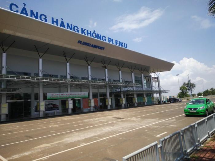 Gia Lai: Đánh nhân viên sân bay vì bạn gái trễ giờ