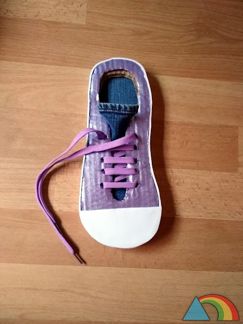 Zapato para aprender a atarse los cordones