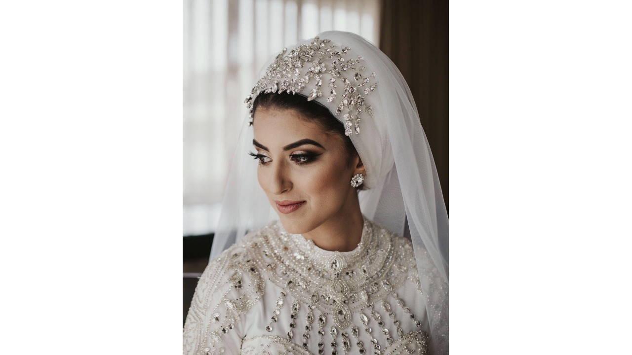 Rias dengan Hijab saat Akad Nikah