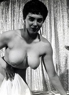 Ann Dunham Nude Photos 36