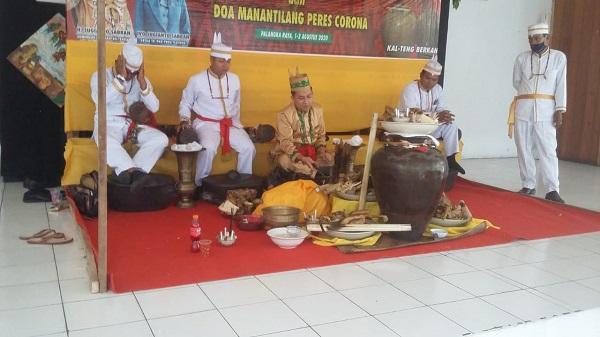 Lestarikan Warisan Leluhur, Dinas Kebudayaan dan Pariwisata Kalteng Adakan Ritual Marasih Ramu di Museum Balanga