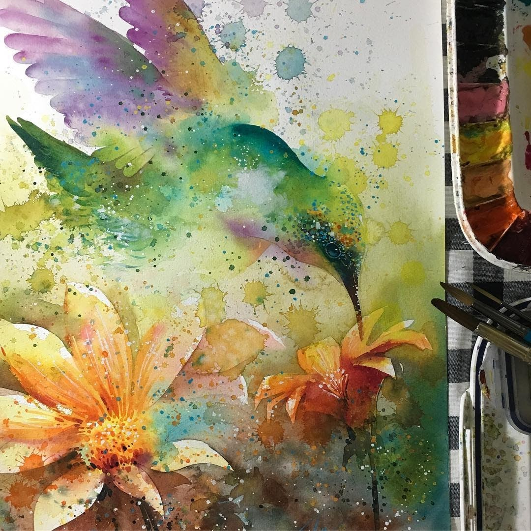 01-Hummingbird-Tilen-Ti-Paintings-of-Animals-with-Splashes-of-Paint-www-designstack-co