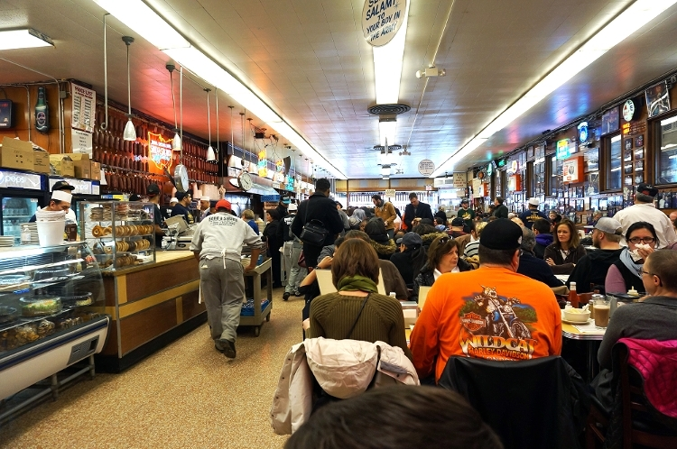 Euriental || fashion & luxury travel || New York, Katz's Deli