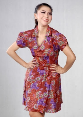 Dress batik wanita karir simple