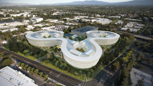 Apple_Spaceship_building