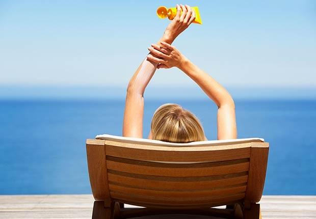 Consejos integrales para cuidar tu cuerpo, cabello y piel en la playa