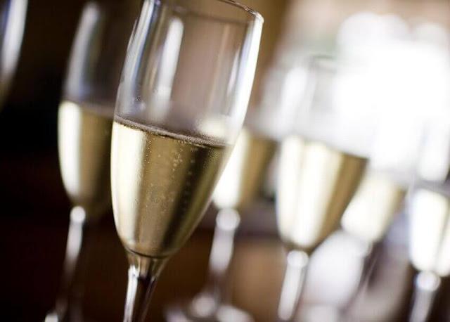 Yanlışlıkla Keşfedilmiş Yemekler: şampanya
