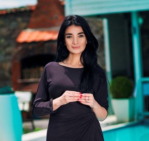 Kosovo Secret Service investigates Haradinaj's beautiful ex-adviser Nita Himaduma