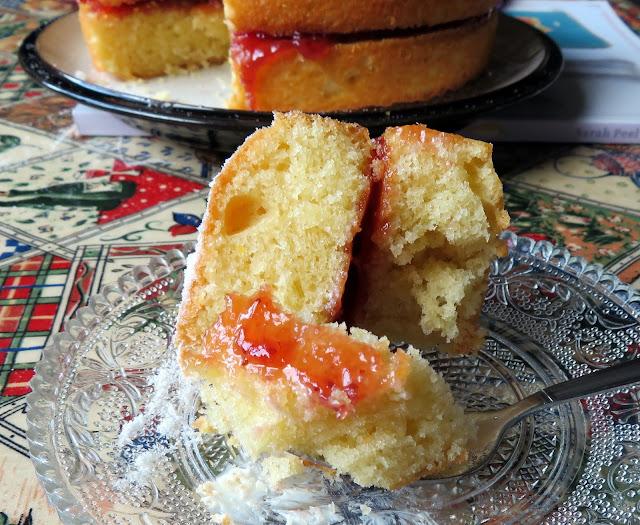 Mary Berry's Victoria Sandwich Cake