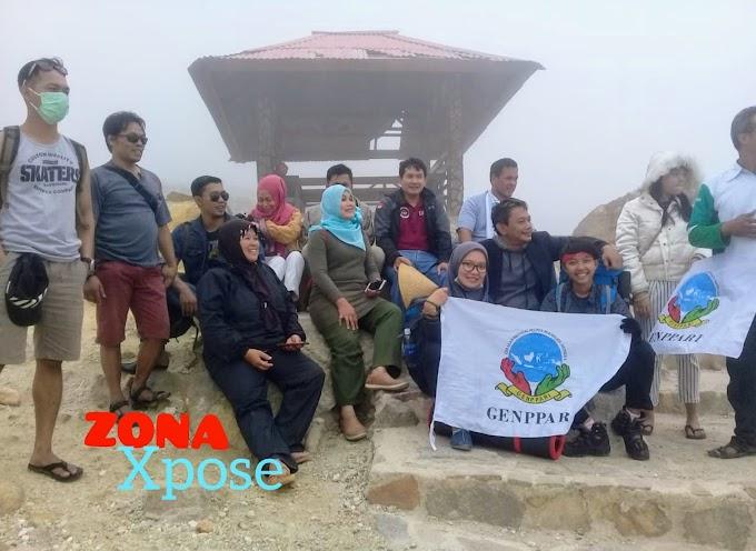 GENPPARI Lakukan Petualangan ke Puncak Gunung Papandayan