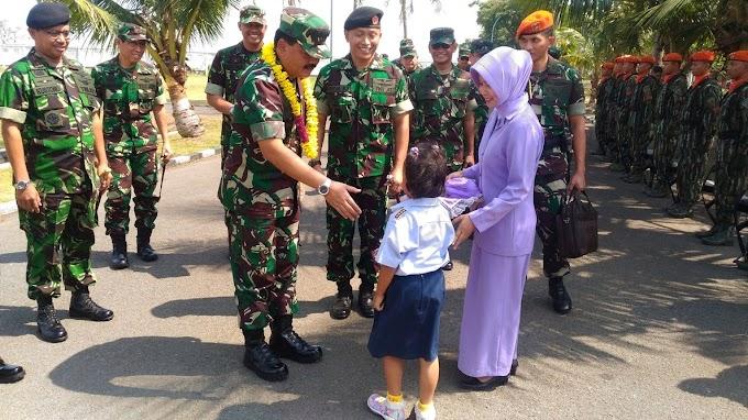 TNI AU Tunjukan Kekuatan Udara di HUT TNI ke-72