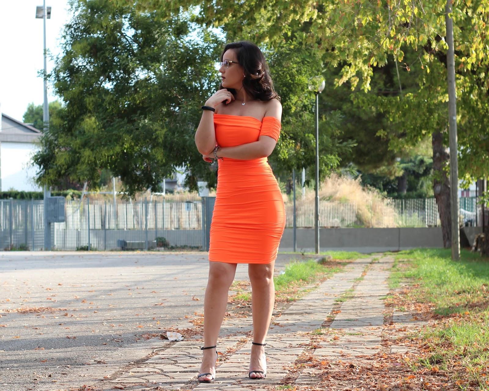Vestito da donna arancione