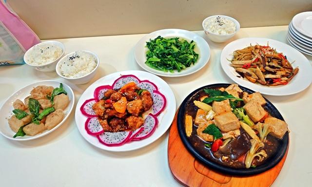 Loving Hut 愛家新月店~宜蘭素食熱炒、合菜、小火鍋