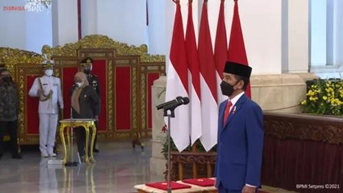 Presiden Jokowi Resmi Lantik Mendikbud-Ristek, Menteri Investasi/Kepala BKPM dan Kepala BRIN