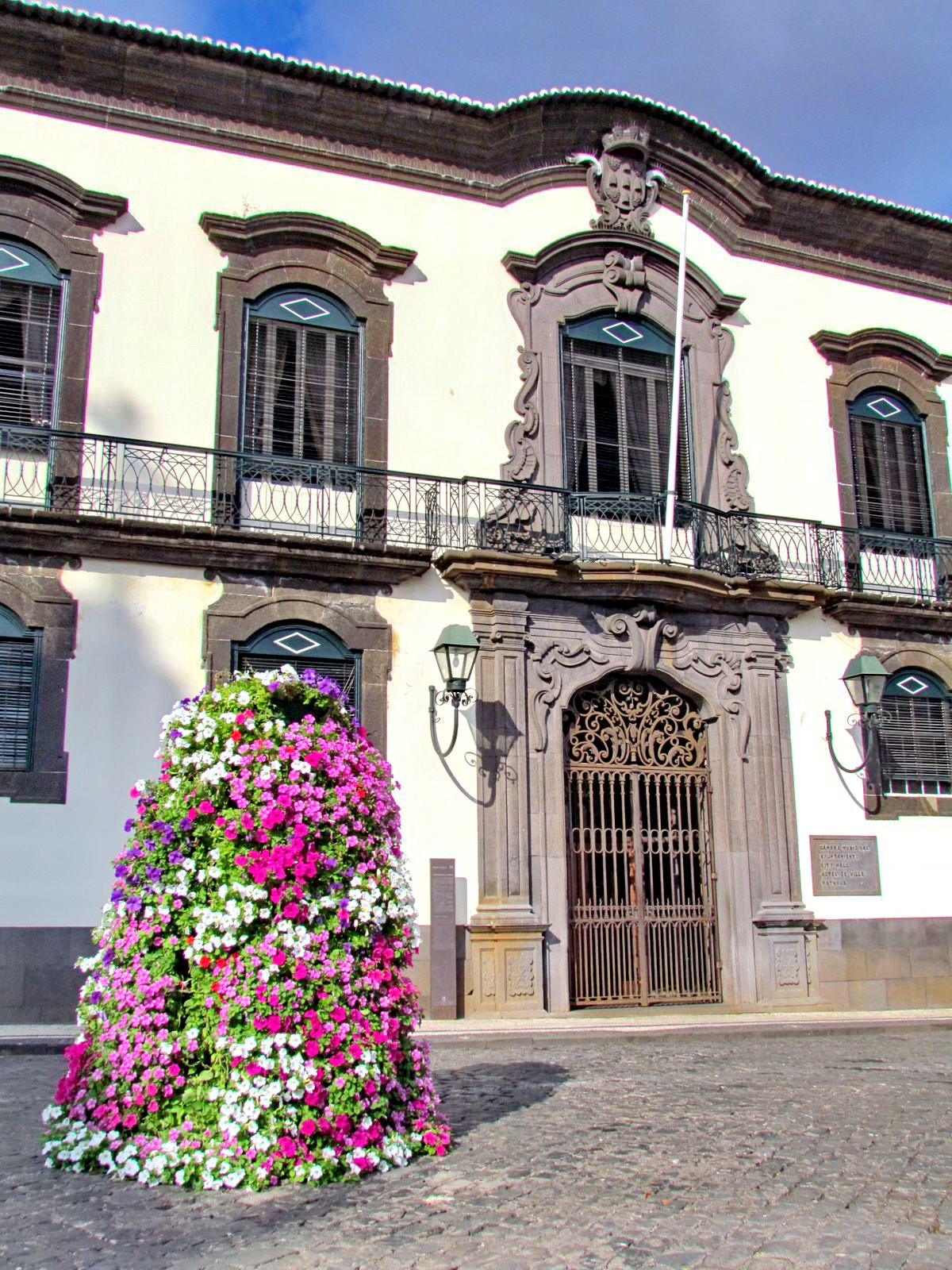 Funchal city hall detail