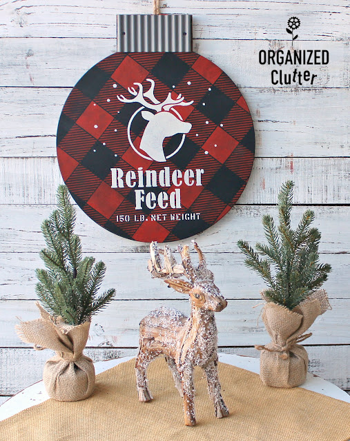 Buffalo Check Christmas Countdown Goodwill Ornament Makeover #oldsignstencils #stencil #goodwill #upcycle #buffalocheck #reindeerfeed #Christmassign