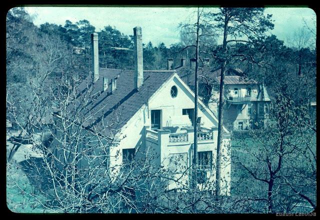 1980 год. Rīga, Mežaparks. Nams Ezermalas ielā 51 no Em. Dārziņa 14 jumta. Balkons Ainas un Toma Kučinsku dzīvoklis