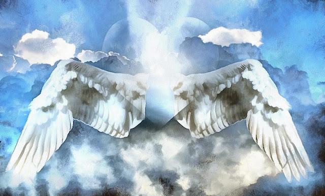 Весь май три знака Зодиака будут жить, словно под крылом ангела