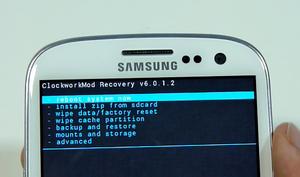 Reset data pabrik android dengan recovery mode