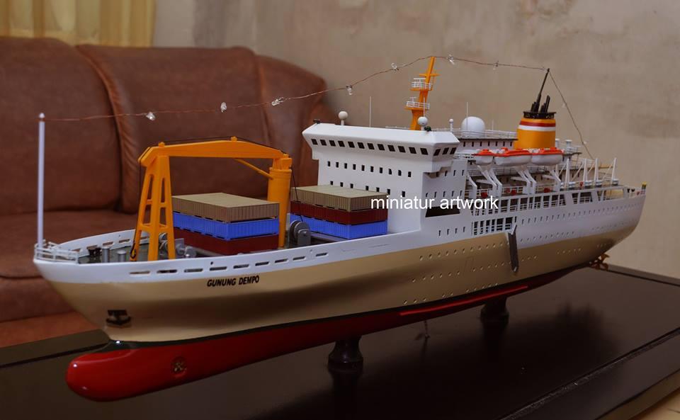 miniatur kapal km gunung dempo pt pelni passengers ship rumpun artwork temanggung planet kapal indonesia