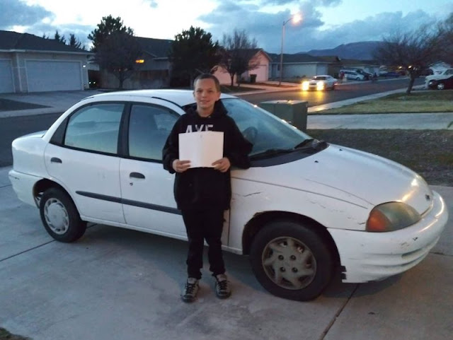 13-летний подросток продал Xbox, убирал дворы и косил газоны — чтобы на заработанные деньги купить маме авто