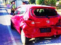 Sedang Mengatur Arus Lalulintas, Seorang Anggota Polres Pangkep Diseruduk Mobil