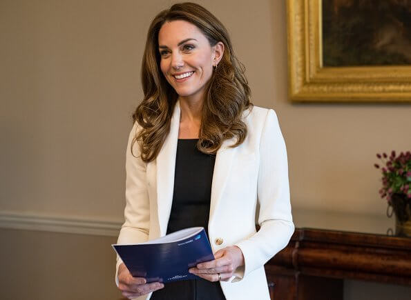 Kate Middleton wore a new cable t-neck jumper from GAP, and ivory one button blazer from Zara, and a blue trina sheath dress from Reiss