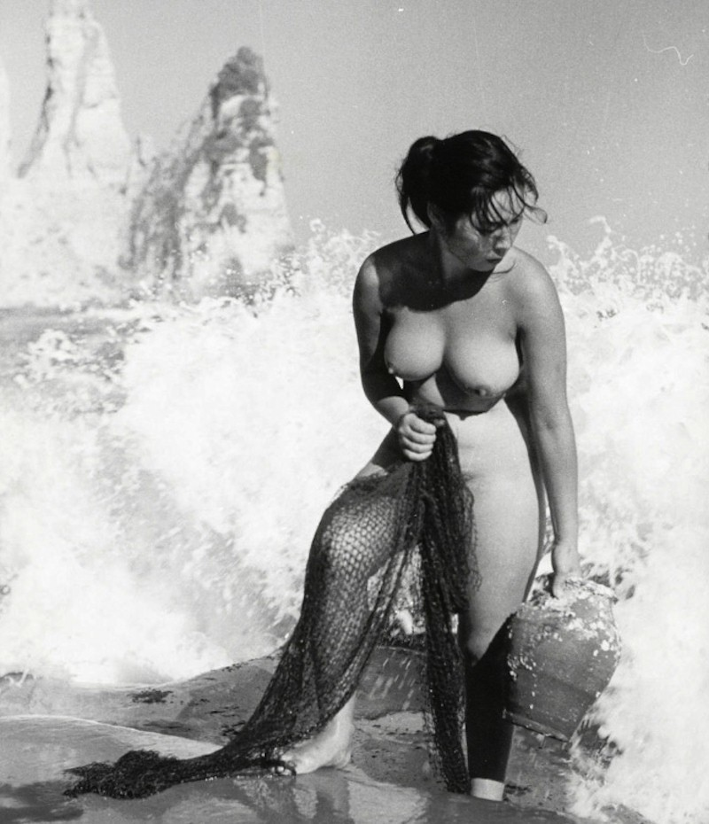 Ama (woman diver) in Japanese Topless Pearl Diver films